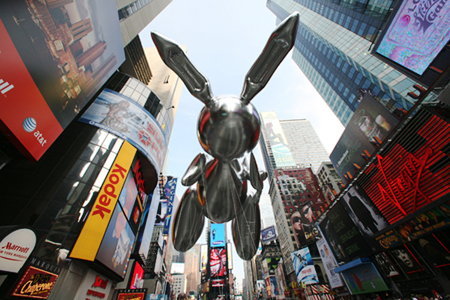 Rabbit – Macy's Thanksgiving Day Balloon by Jeff Koons (2007)