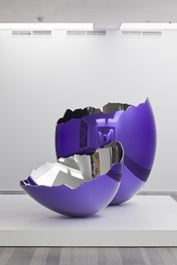 Cracked Egg (Violet) by Jeff Koons. Sexuality and Transcendence, Pinchuk Art Centre, 2010.